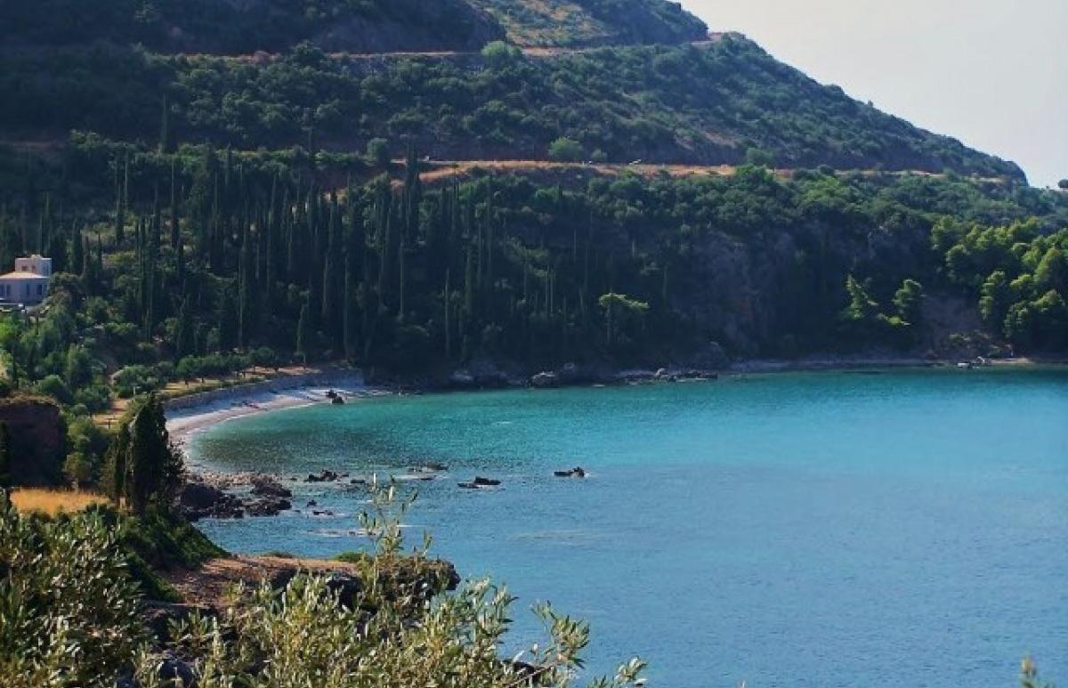 Παραλία Καλαμίτσι 7